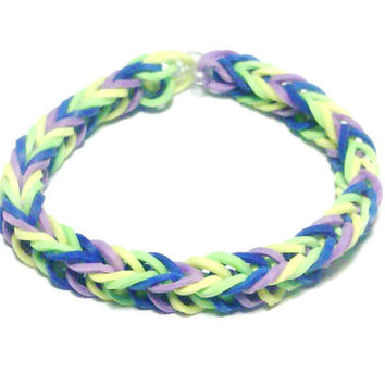 Rainbow Loom Bracelet, Fishtail Style in Yellow, Green, Blue, Purple - Rubber Band Bracelet - Rainbow Loom Friendship Bracelet