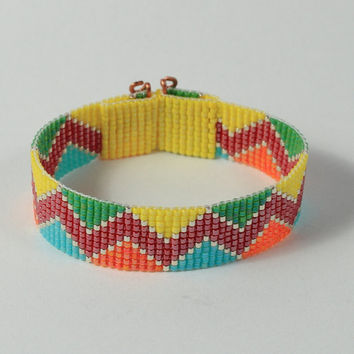 Incan Indian ZigZag Bead Loom Bracelet - Colorful Beaded Jewelry - Native American Style - Boho - Hippie Chic - Beadweaving