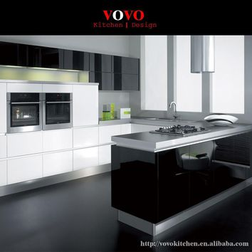 White with black high gloss lacquer kitchen cabinet