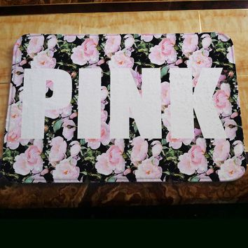 Hot European American Fashion Brand Logo Pink Flannel Living Room Bedroom Carpets Floor Mats Non-slip Rugs Free Shipping 40*60cm