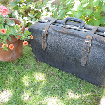 Vintage Suitcase Black Cowhide Travel Bag Early 1900's Genuine Cowhide Luggage Large Textured Leather Bag Country Farm Decor Display Decor