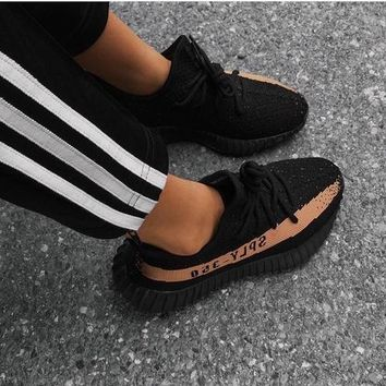 Adidas Yeezy 550 Boost 350 V2 Trending Women Men Casual Movement Running Shoe Sneakers Black Khaki I