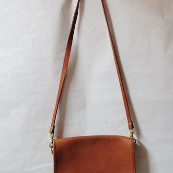 Vintage Crossbody shoulder bag by Hunt Club brown leather
