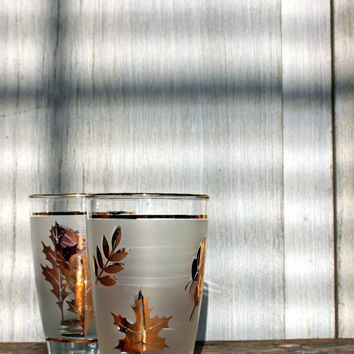 vintage libbey glassware // frosted gold leaf pattern // tumblers