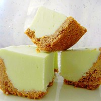 Julie's Fudge - KEY LIME PIE w/Graham Cracker Crust - 6 Pieces (Over 1/2 Pound)