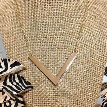Gold V chevron pendant necklace, gold arrow pendant necklace, gold pendant chevron V necklace, gift