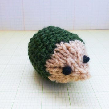 Hedgehog squeaker toy, hedgehog stuffed animal, stuffed animal hedgehog, squeaker toy, small squeaker toy, ready to ship, knit amigurumi