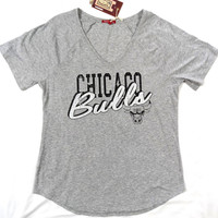 Chicago Bulls Mitchell & Ness V Neck T Shirt Gray Ladies Size M