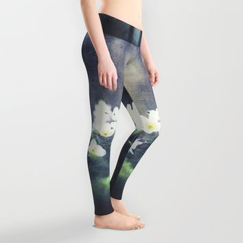 Rugged beauty Leggings by HappyMelvin