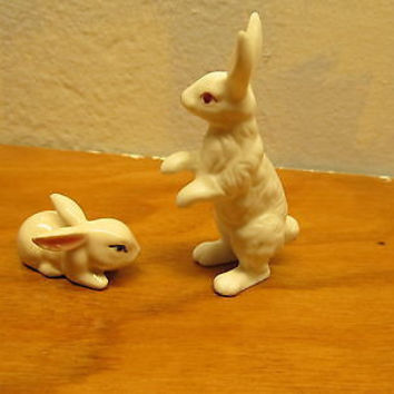 VINTAGE LEFTON AND ENSCO MINIATURE RABBIT FIGURINES