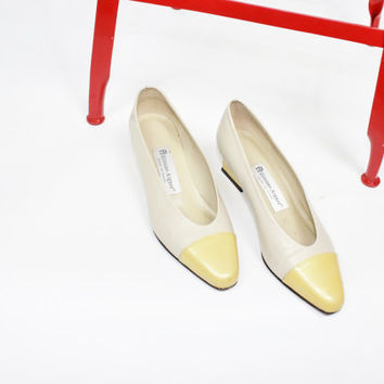vtg yellow leather pumps color block cap toe pale mustard SIZE 6 6M