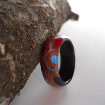 US 6.5/17.0mm coloured pencil ring with makassar ebony band, handmade