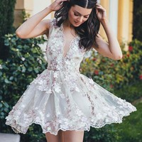 Appliques Deep V Neck Short Homecoming Dress