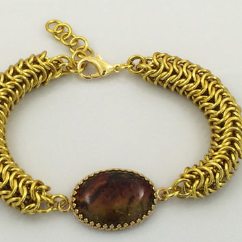 Dark Multi-Colored Agate Cabochon and Gold Chainmaille Bracelet -- Product B011