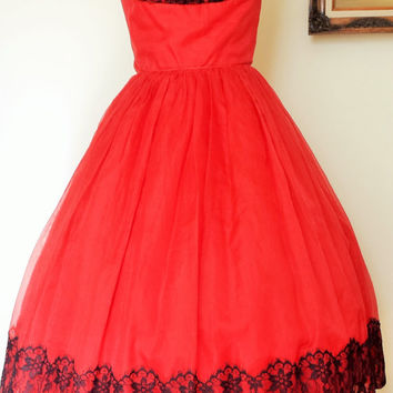 1950s Vintage Red with Black Lace Dress / Fit and Flare Party Dress / 50s Full Skirt Dress / Circle Skirt / Black Lace Trim