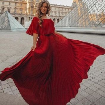 Sexy Off the Shoulder Bohemian Beach Dresses Red Slash Neck Maxi Runway Pleated Dress Elegant Party Club Spring Vestido