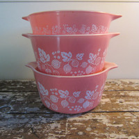 Pink Gooseberry Pryrex Bowls Pyrex Dishes by VintageShoppingSpree