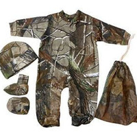 Realtree Baby Boys Camo Long Sleeve Creeper Hat and Booties 3pc Newborn