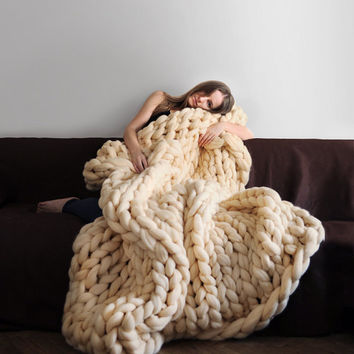 70 colors! Large blanket .Grande punto. Chunky knit blanket. Cozy blanket. Big yarn blanket. Merino wool.