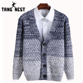 TANGNEST Hot Sale 2017 Fashion Youth Spell Color Long-sleeved Sweater Men Autumn Winter Warm Single Breasted Cardigan Men MZM451