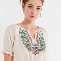 UO Embroidered Floral Peasant Blouse | Urban Outfitters