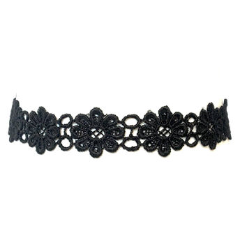 That's So 70's Daisy Choker In Black