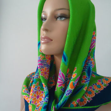 1960 Haute Couture Yves Saint Laurent YSL  Kelly Green Vintage Silk Scarf Rolled Hem Finish Original Tag 35 x 35
