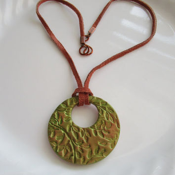 Metallic Green Leaf Design Oil Diffuser Necklace Handmade Aromatherapy Natural Clay Pendant Brown Suede Cord Essential Oil Diffuser Jewelry