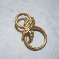 Vintage Brooch Gold Tone Scarf Pin / Brooch with Rhinestones