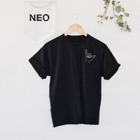 hang loose tee • black
