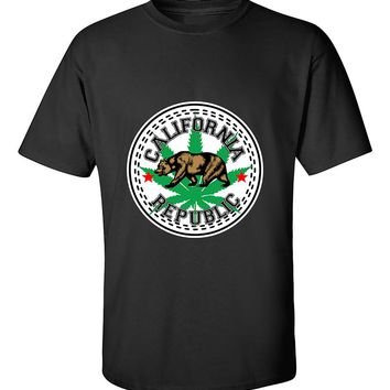 California Weed Republic Bear 420 Weed Smokers Dope Stoned Pot Leaf T-Shirt