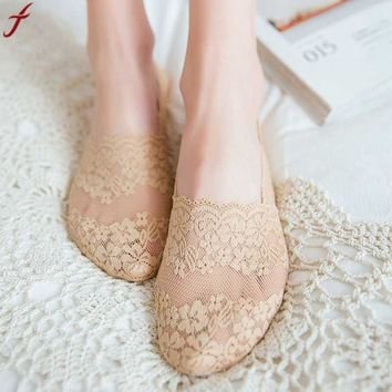 1 Pair Women Invisible Lace Boat Socks Female Shallow mouth Low Cut Socks Summer Fashion Women Sock Slippers