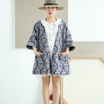 Blue Tweed Kimono Jacket in Floral Pattern Boxy Silhouette A-shaped Regular Fit Relaxed Fit