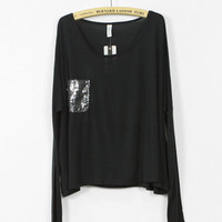 Black pocketed long sleeve t-shirt