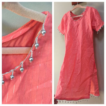 Girls Tunic Dress, India. Beaded trim Peach Pink, Silver Pinstripe, Dangle Beads. Short Sleeve kids Tunika boho dress high side slits spring