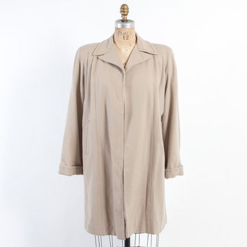 Vintage 40s COAT / 1940s Soft BEIGE Strong Shoulder SWING Gabardine Wool Jacket M