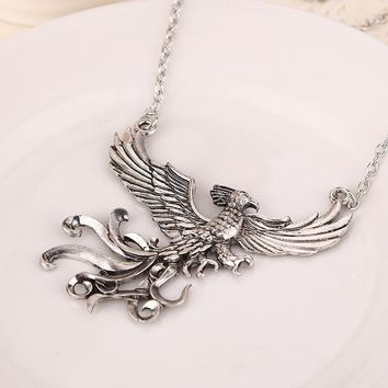 Antique Silver Phoenix Charms Necklace Retro Bird Jewelry (Color: Silver)