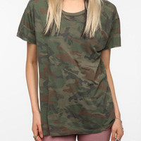 Urban Outfitters - Truly Madly Deeply Camo Boyfriend Tee