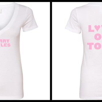 "Harry Styles ""Harry Styles / Love on Tour BACK"" V-Neck T-Shirt"