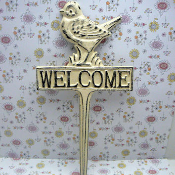 Bird Welcome Garden Porch Patio Yard Stake Cast Iron Shabby Chic Creamy Off White Distressed Plant Greeting Visitor Sign