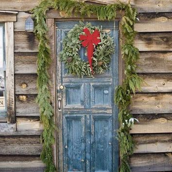 Rustic Wood Christmas Door Backdrop - 5x6 - LCTC9436 - LAST CALL