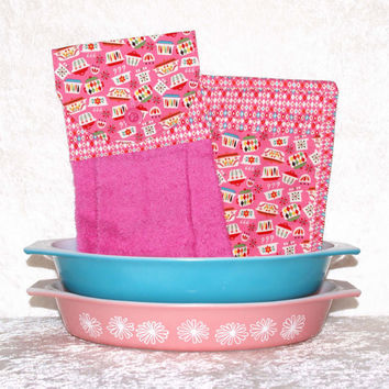 3 Piece Kitchen Set • 1 Hanging Hand Towel • 2 Pocket Potholders • Kitchen Towel • Pink Pot Holder • Vintage Pyrex Pattern • FREE SHIPPING