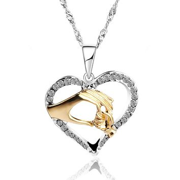 2017 new 3 color Mother Love Baby Child Rhinestone Big Hand Hold Little Hand Design Heart Necklace Mom Birthday Gift Jewelry