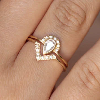 Wedding Set - 0.3 Carat Pear Diamond Crown Ring & Pave Diamond V ring - 18k Gold
