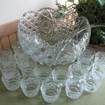 L. E. Smith Punch Bowl Daisy and Buttons 20 piece Cut Glass Punch Bowl Set with Glass Ladle