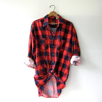 Vintage red checkered boyfriend flannel / Grunge lumberjacket shirt