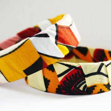 SALE!! 50%!! African Bangle Set, Wrapped with african waxprint, cotton, dutch wax, african inspired fashion