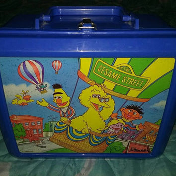Super cute Vintage 80s Sesame Street lunchbox