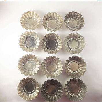 Set of 12 Fluted Edge Tin Molds, Small Pastry Molds, Baking Tin Set, Vintage Metal Molds, Candy Molds, Soap Mold, Chocolate Mold, Cake Form