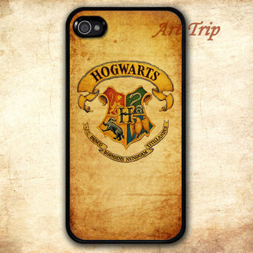 iPhone 4 Case, iphone 4s case -- hogwarts iPhone 4 Case, harry potter iphone 4 case, iphone 4 case